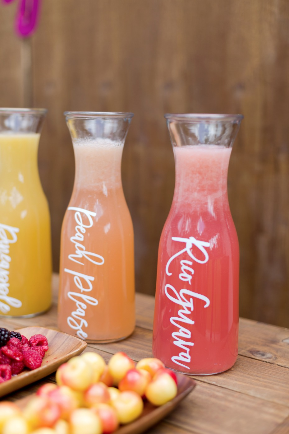 make your own mimosa wedding bar