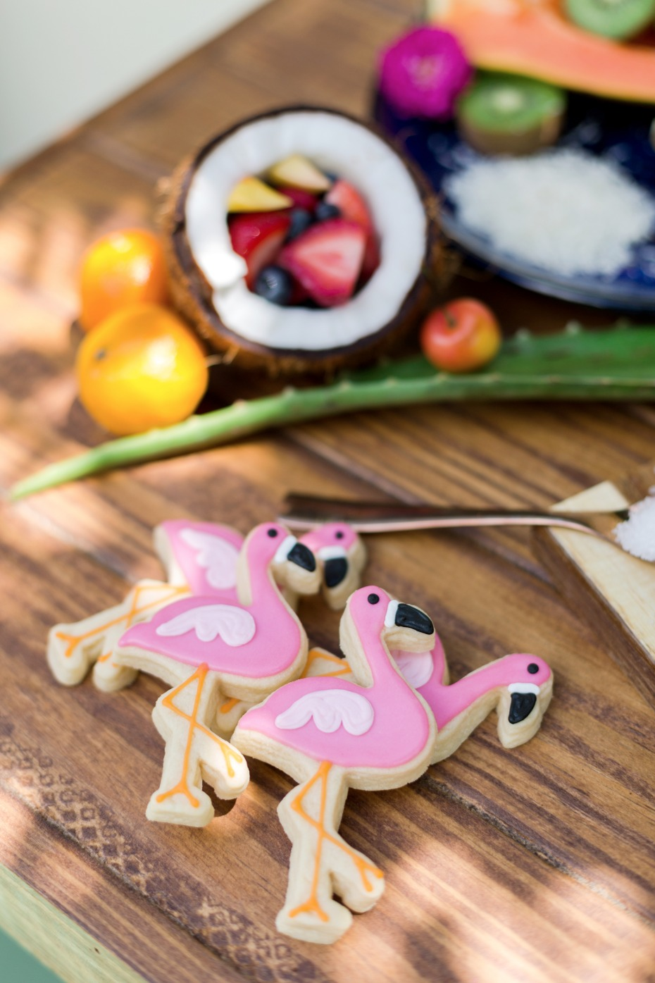 cute flamingo wedding cookies