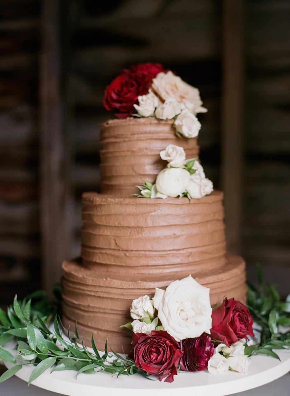 rose topped chocolate wedding cake