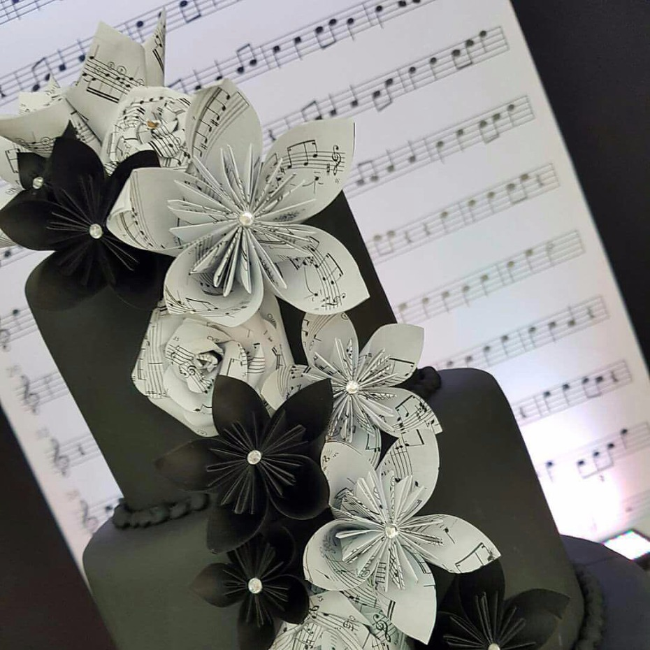 Music inspired wedding cake.