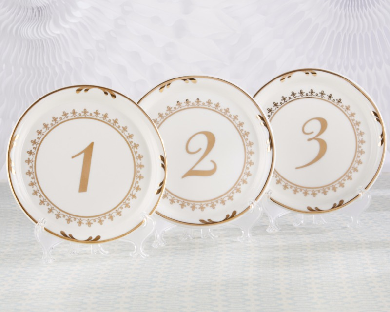 Made from white and gold ceramic, our Vintage Plate Table Numbers, featuring numbers 1 through 6, work to beautify your tea party tables