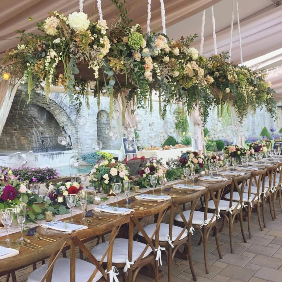 hanging flowers at your wedding