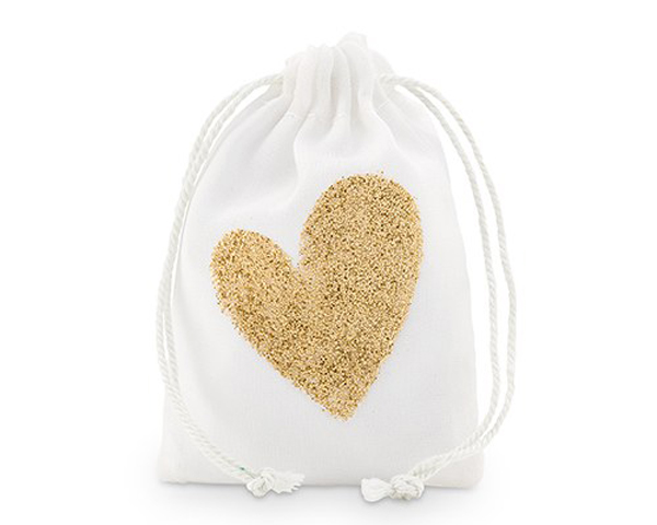 💛 Our glitter favor bags are a sparkly way to celebrate the day. Carry your treats and trinkets in these keepsake items to commemorate