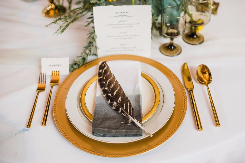 Falcon feather place setting inspired by Fantastic Beasts