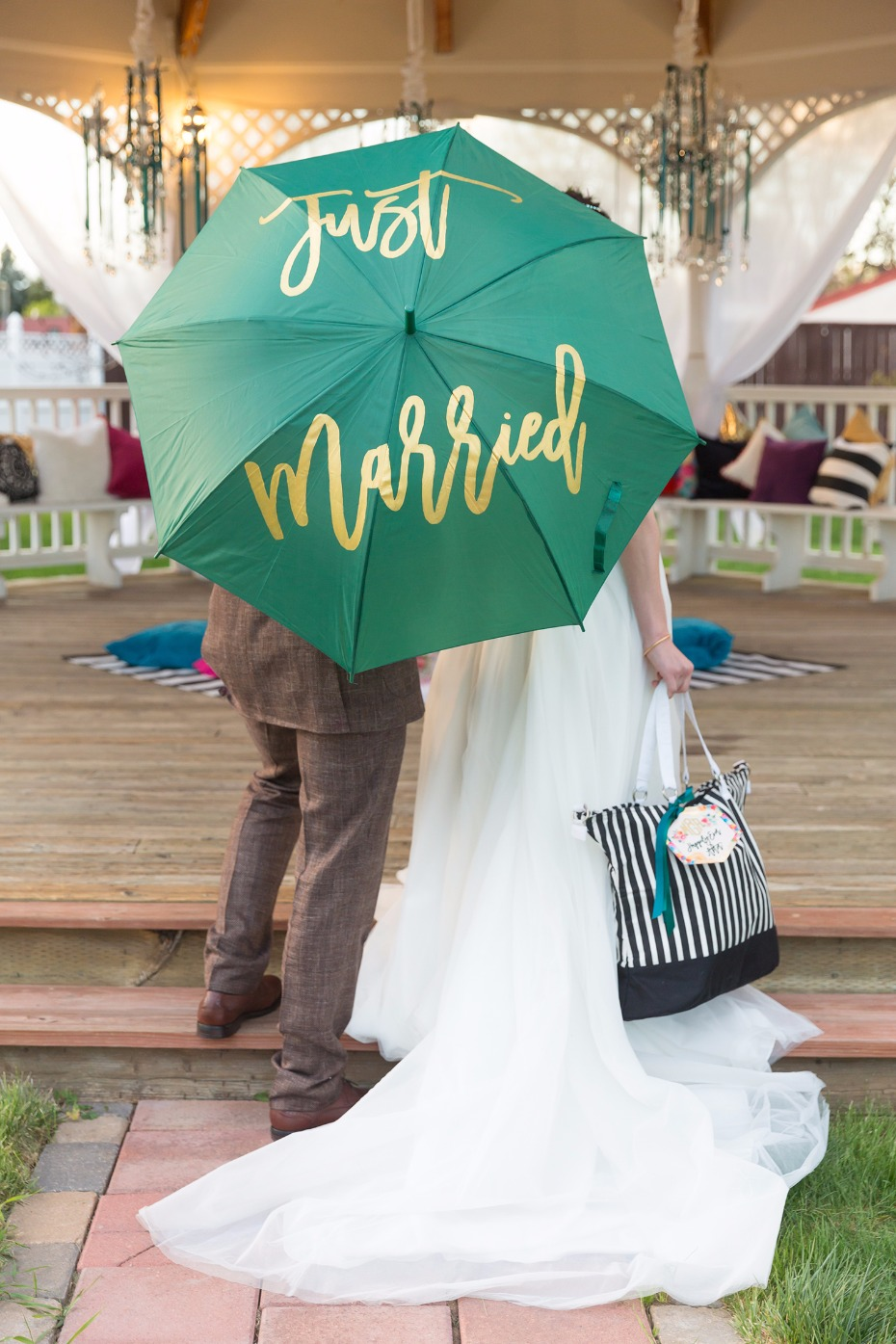 Just married umbrella and wedding tote