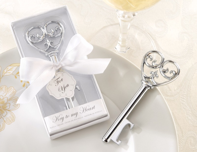 💕 Celebrate romance and love with the Key to My Heart Bottle Opener wedding favor.