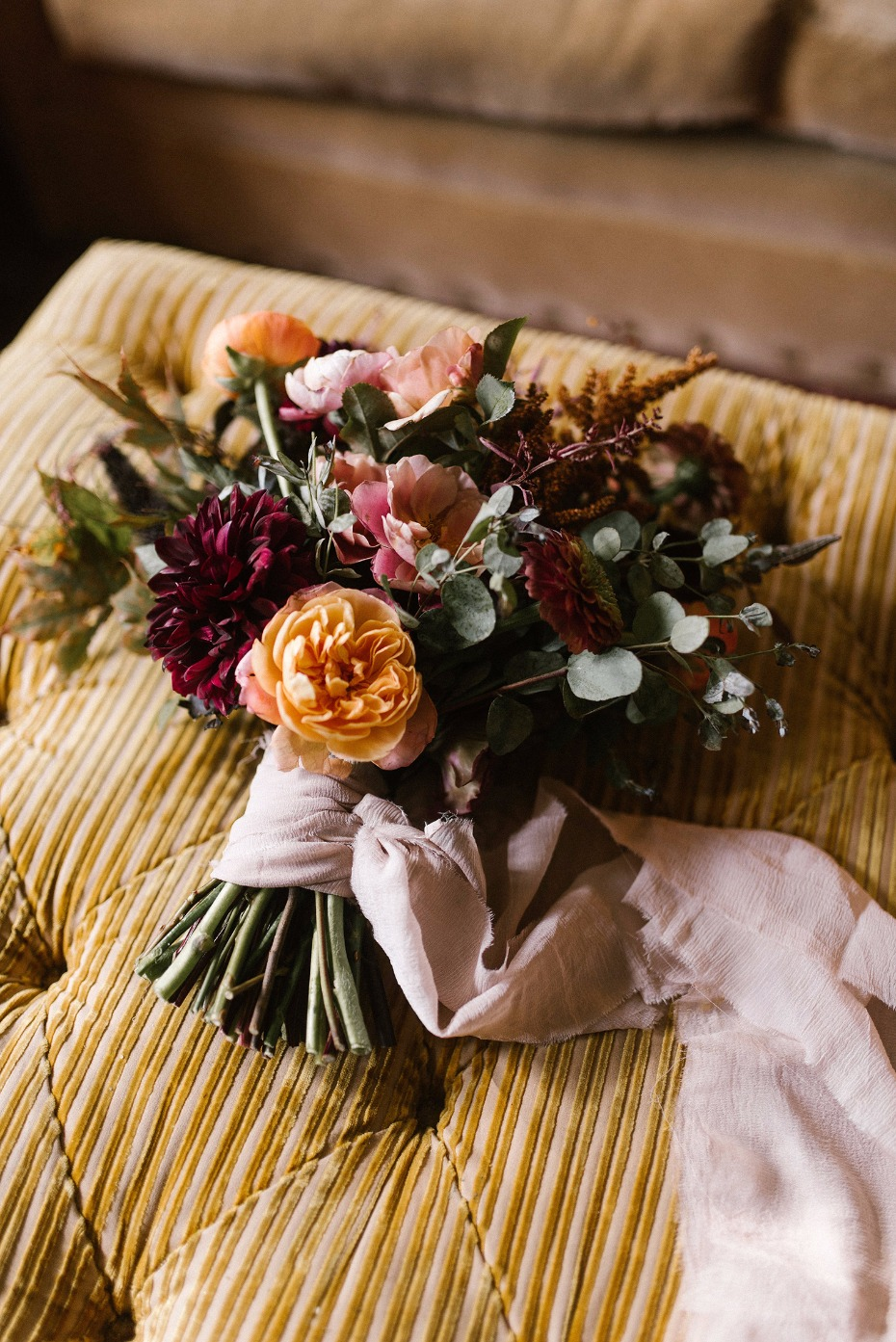 Foraged florals bouquet in warm colors
