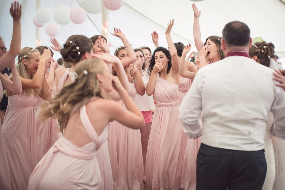 5 Reasons You'll Want to Have a Huge Bridal Party