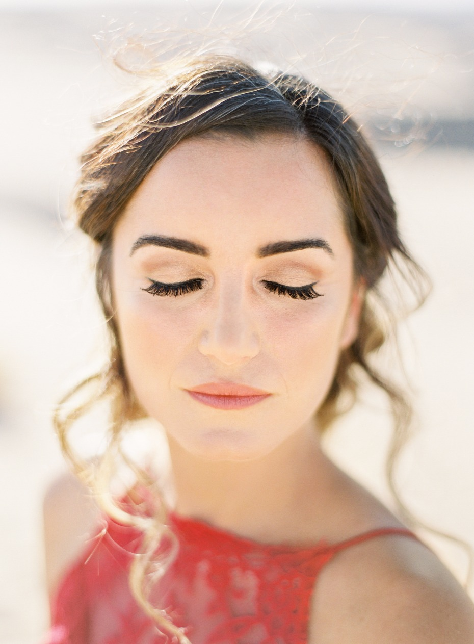 simple and classy engagement shoot makeup