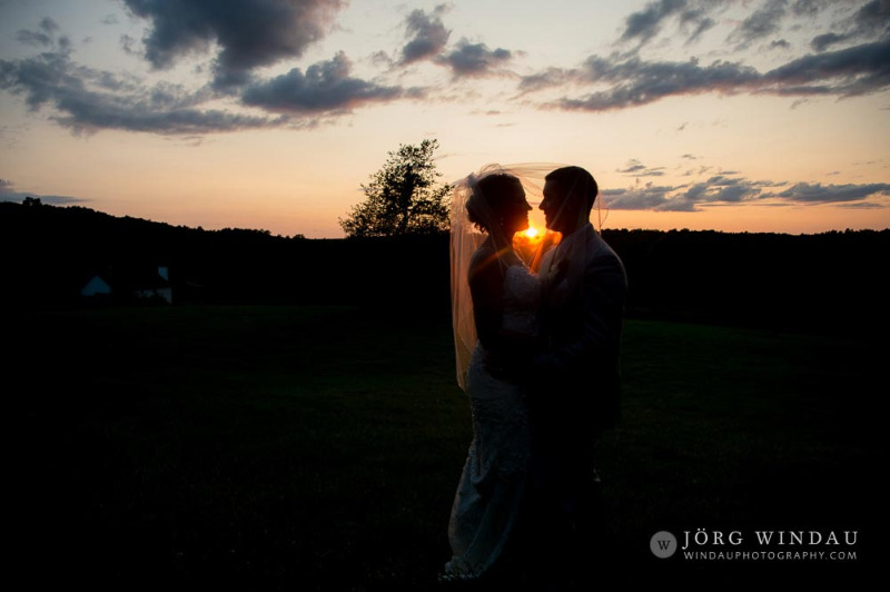 Beautiful sunset views at FEAST at Round Hill. Hudson Valley wedding venue. Photo by Windau Photography.