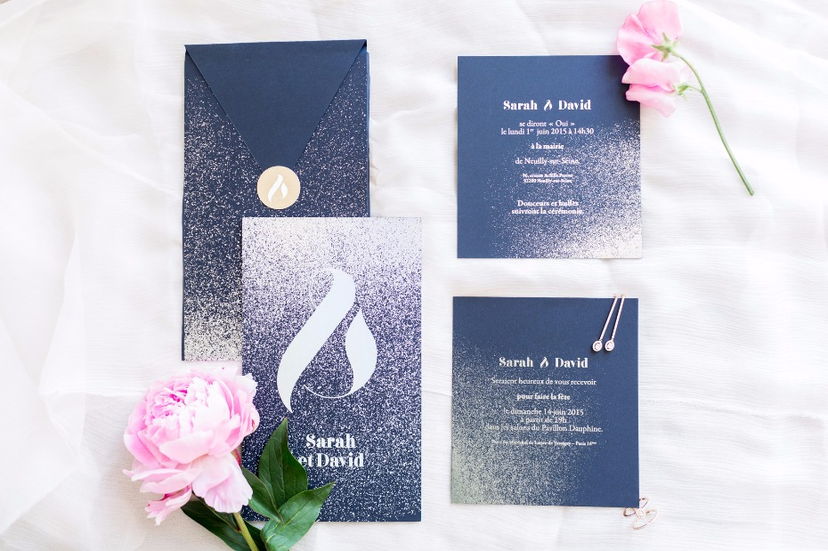 navy and gold wedding invitations with a modern flair