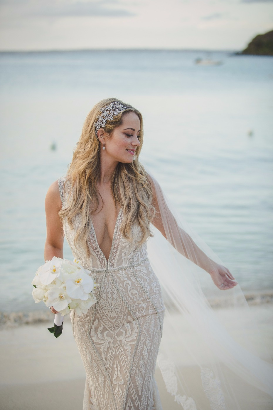 Find this pre-loved Galia Lahav gown on Still White