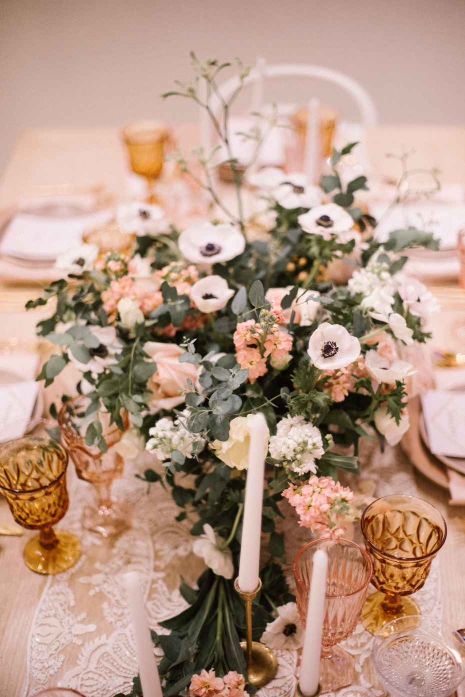 elegant vintage chic wedding table decor