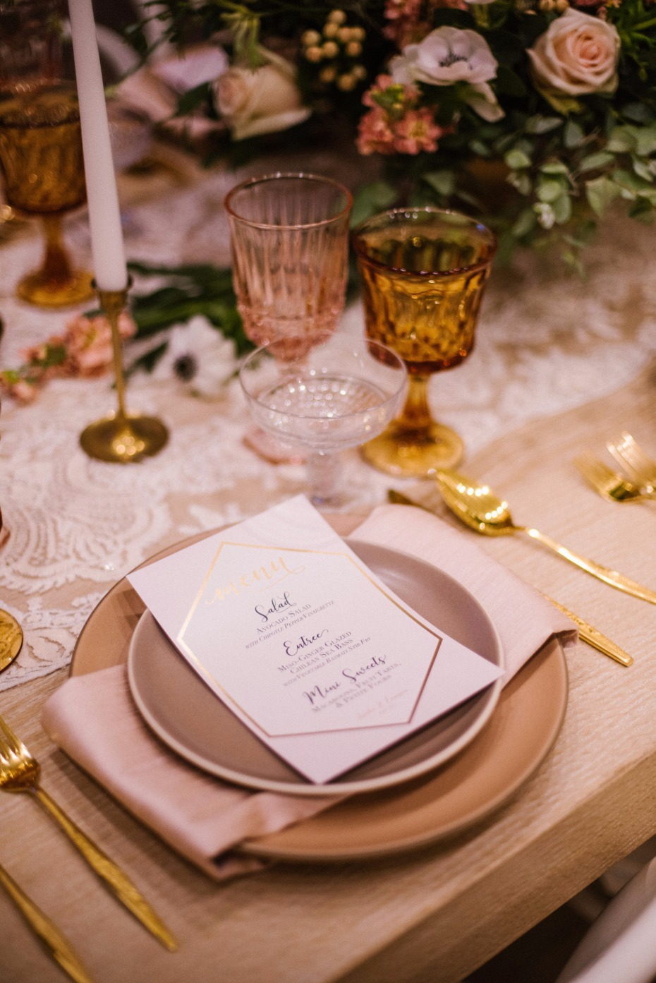 dusty pink and gold wedding place setting