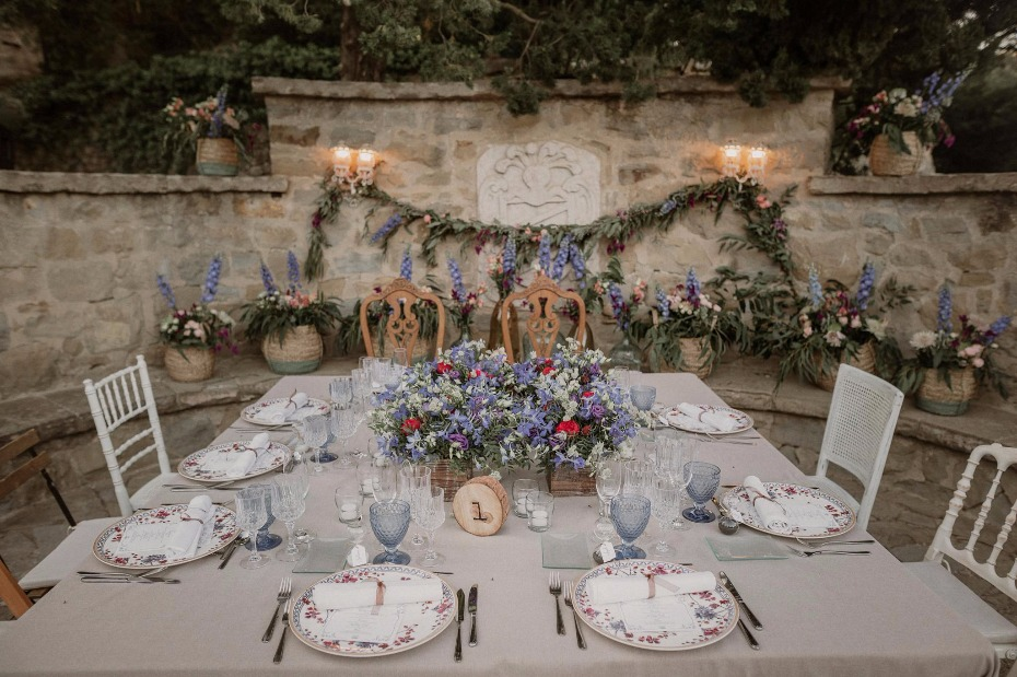 Vintage seating for the bride and groom