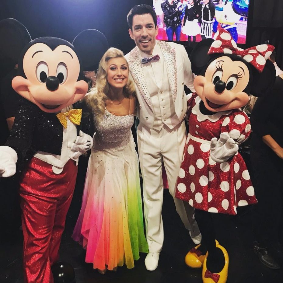 How-To Dance With Your Leading Lady As Told By Drew Scott