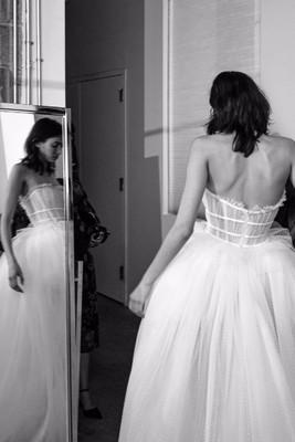 Galia Lahav's Fall 2018 Collection Will Overwhelm Your Senses!
