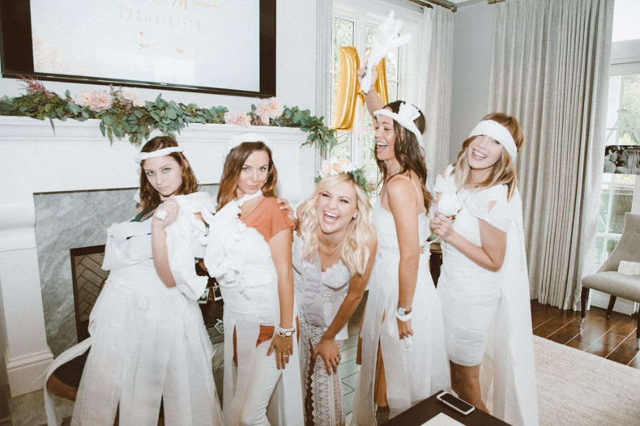 Kelsea Ballerini's toilet paper bridal shower game.