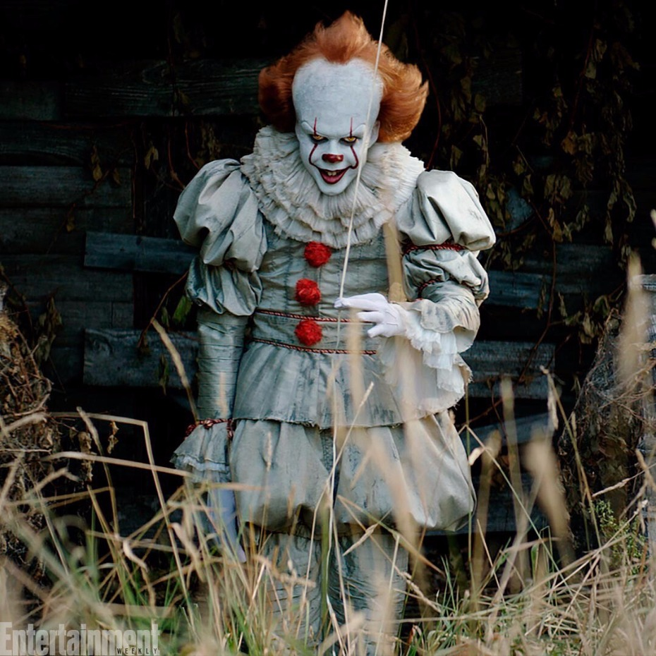 Pennywise It Movie Want a Balloon