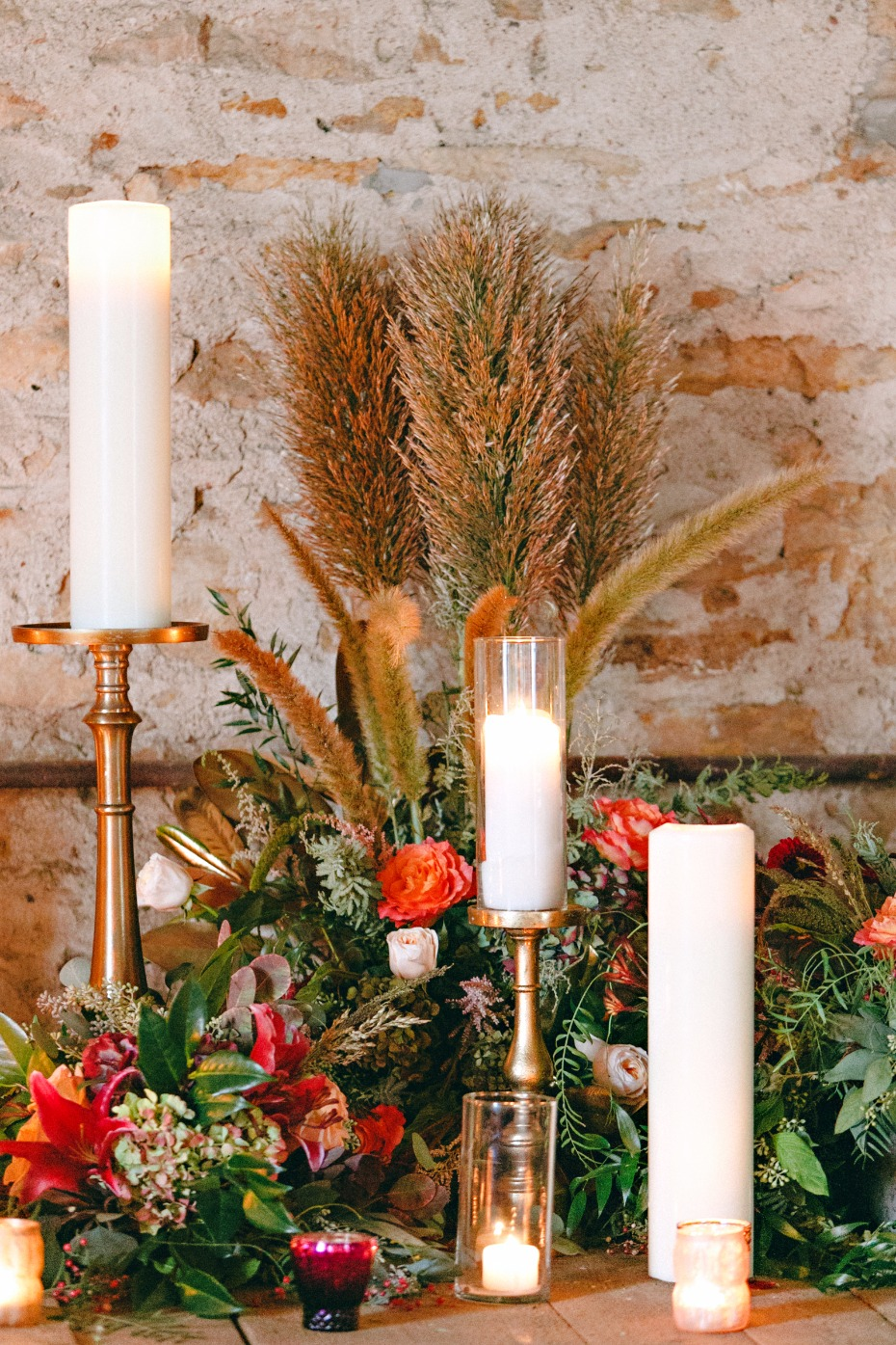 fall inspired wedding decor ideas with candles