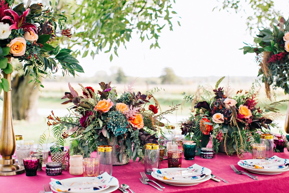 burgundy and gold fall wedding centerpieces