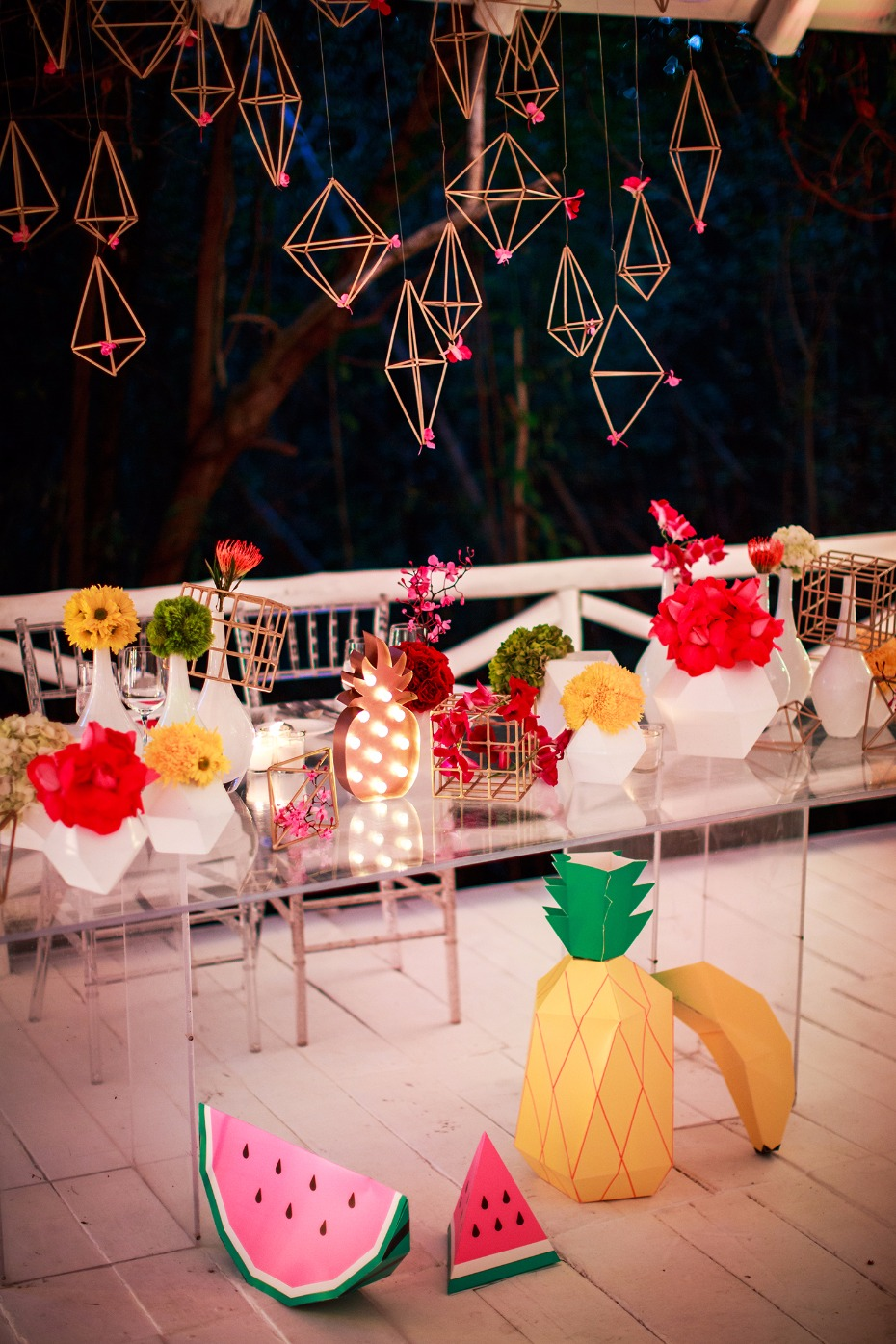 Funky sweetheart table decor