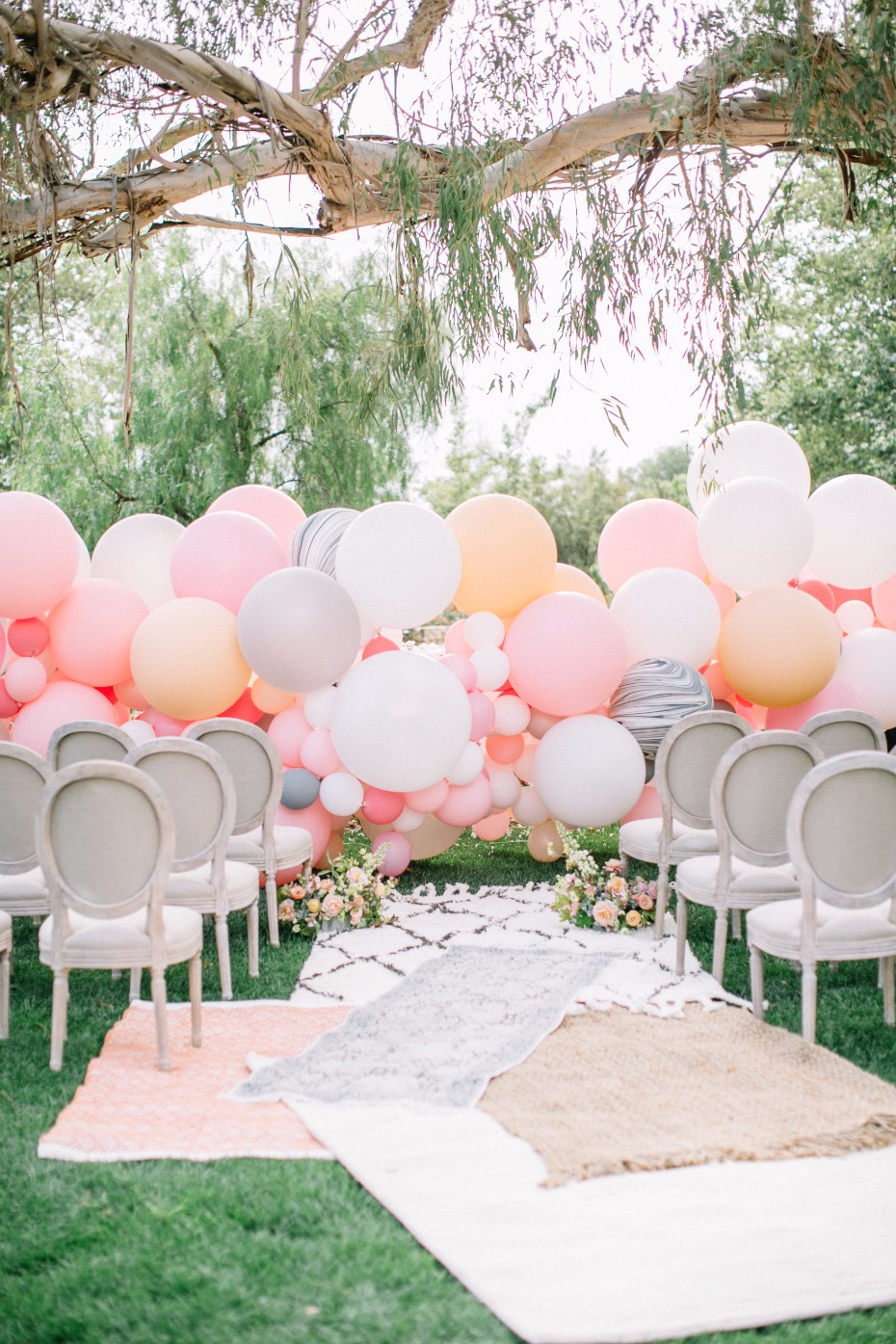 Balloon backdrop idea
