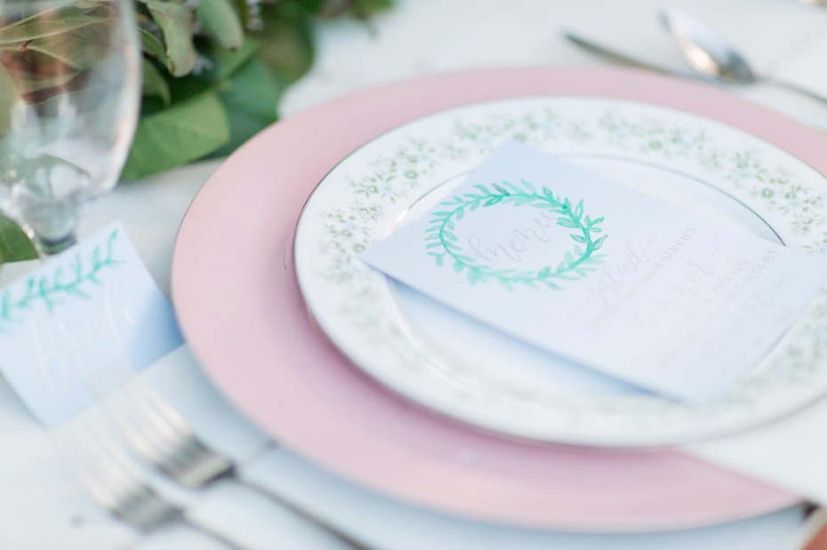elegant pink and blue garden themed wedding table decor