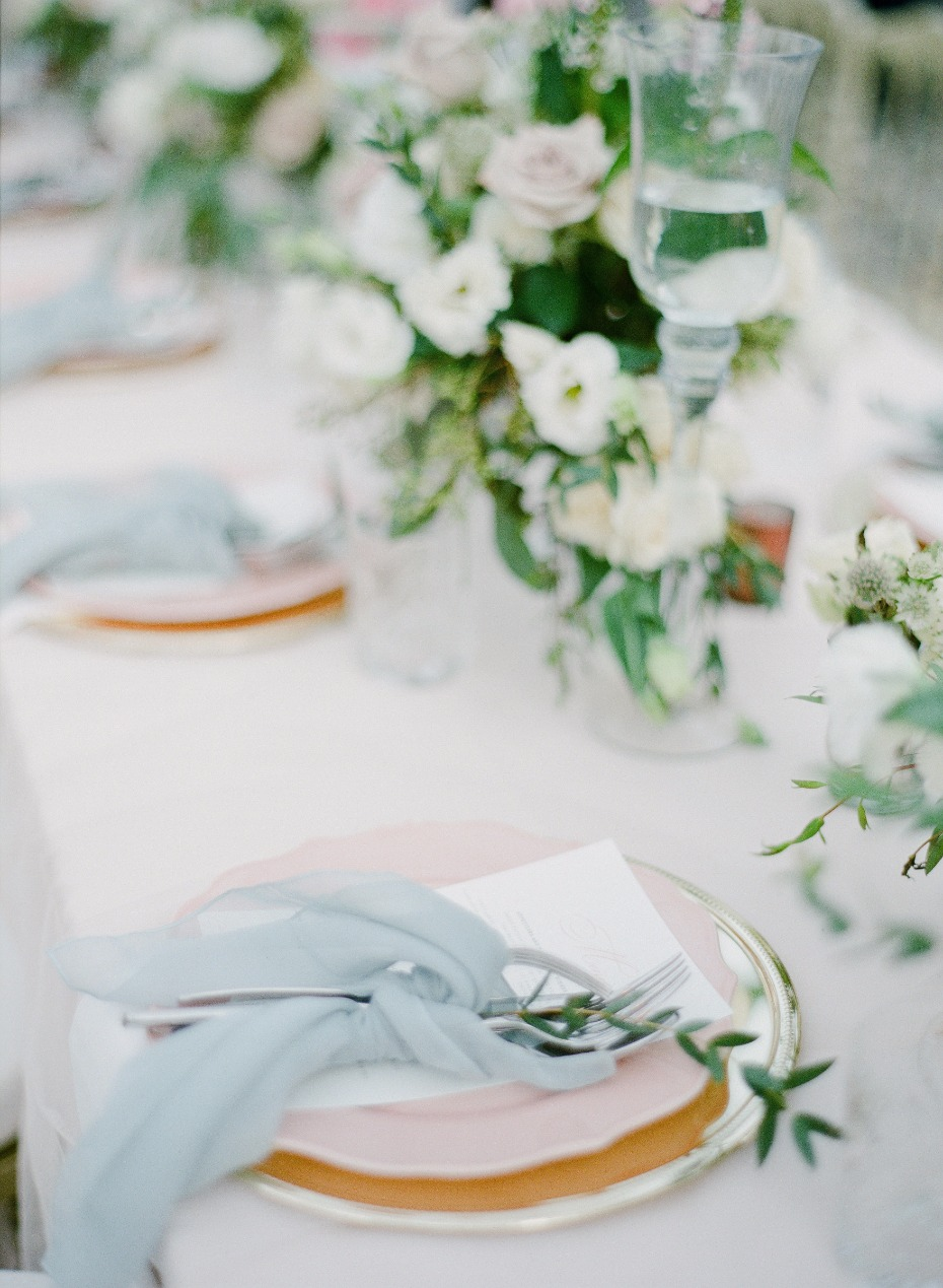 blue pink and gold wedding table place settings