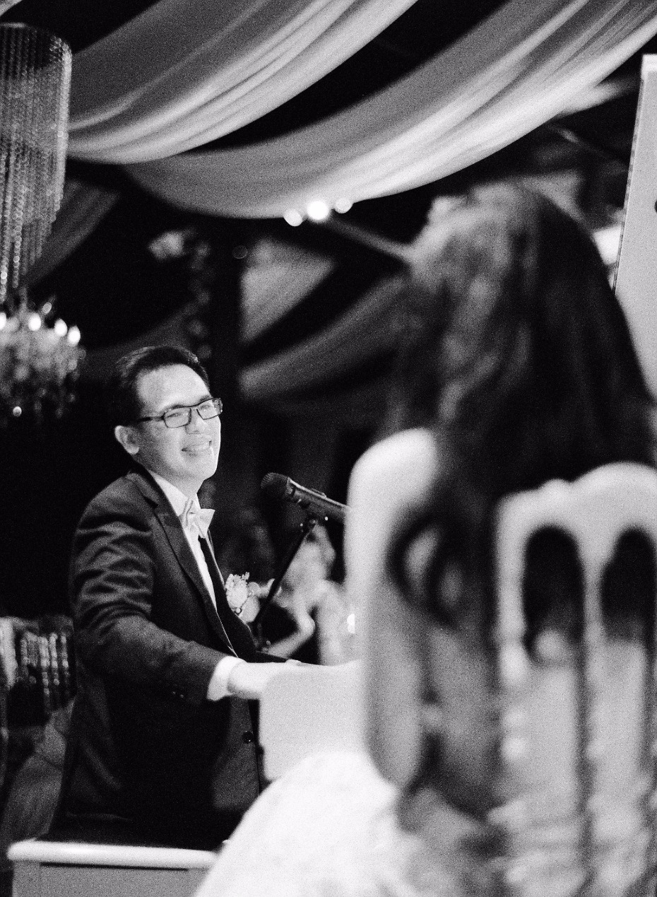 the groom preformed a solo song on the piano for his new wife