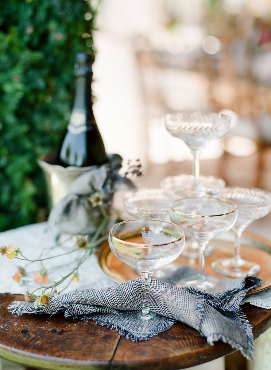 elegant champagne bar with a delicate smattering of fall flowers