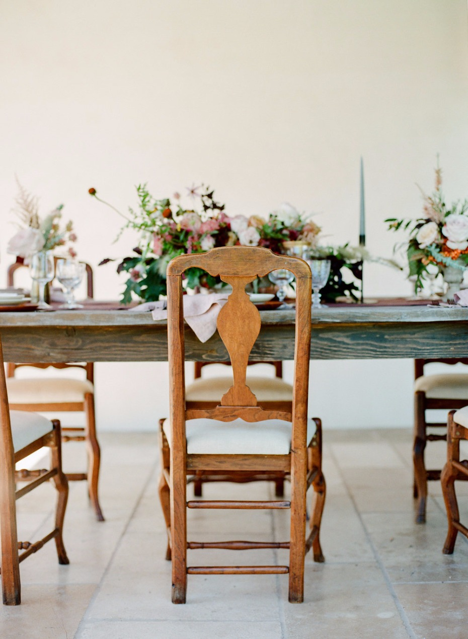 bright and cheery Fall wedding table decor