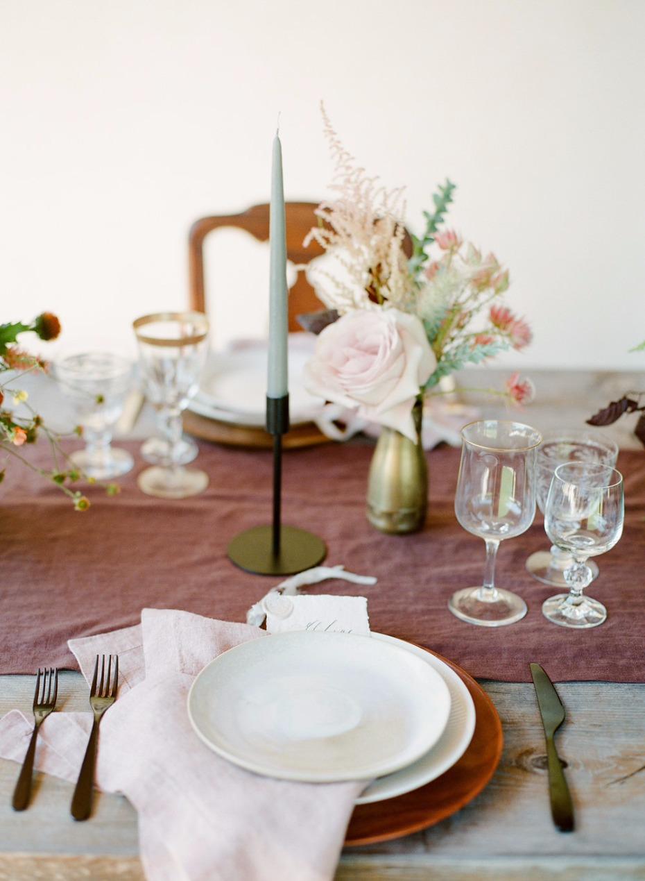 blush and dusty rose fall wedding decor