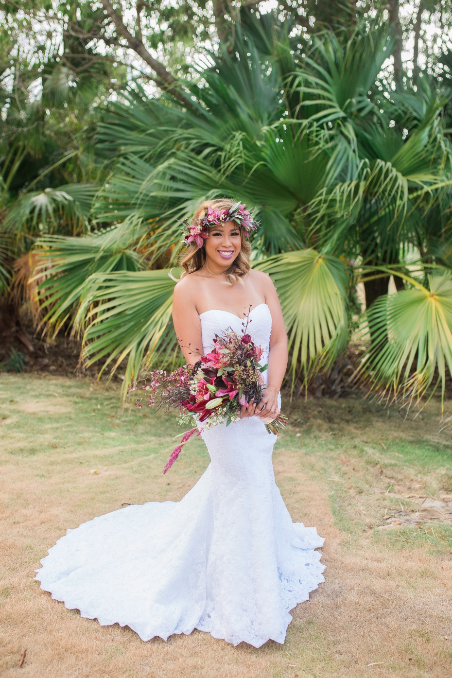 Real Life Moana Wedding Inspo Has Us Loving Fall In Hawaii