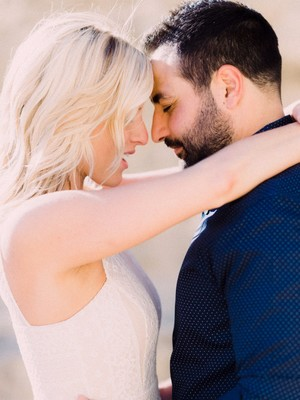 5 Engagement Session Outfit Ideas
