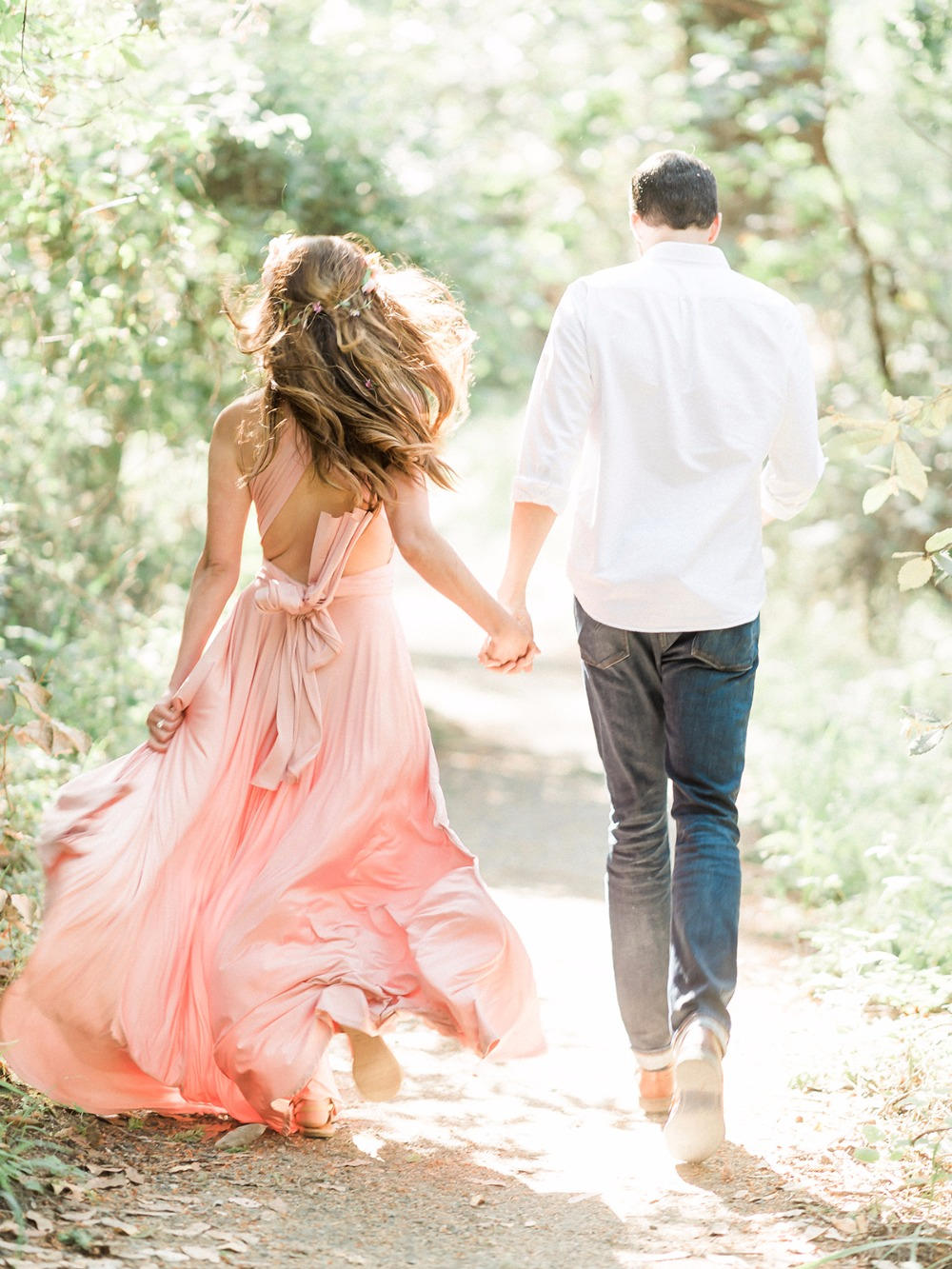 72 93 5 Engagement Session Outfit Ideas
