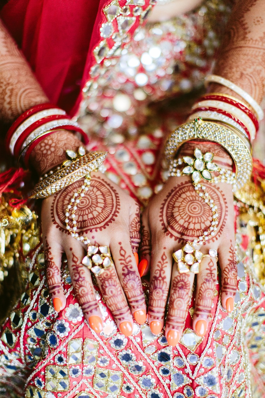 Stunning bridal jewelry and henna
