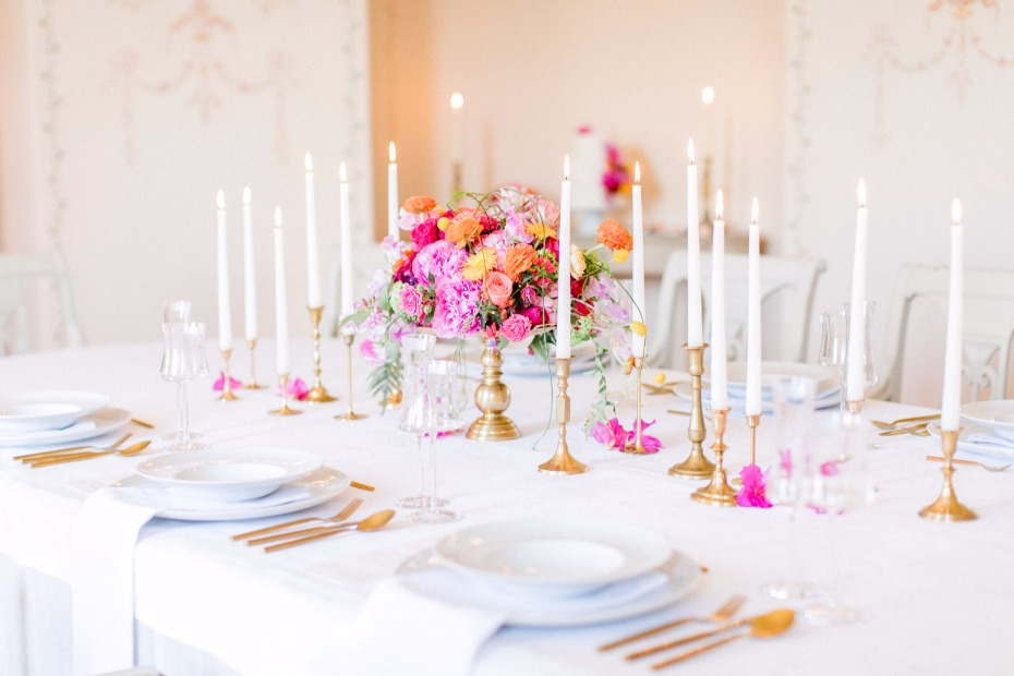 modern classic chic wedding table decor