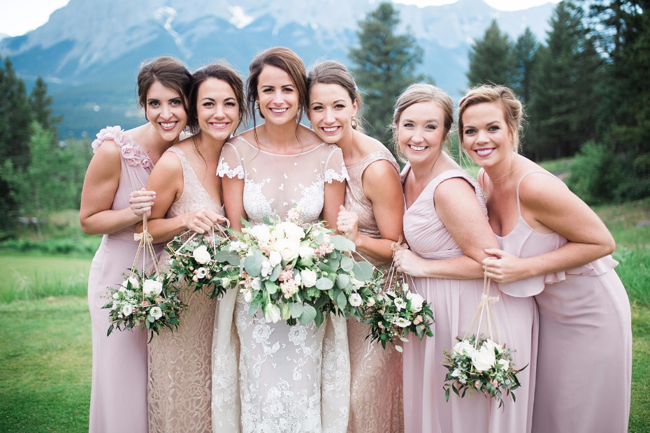 Cute hanging bouquets for the bridesmaids