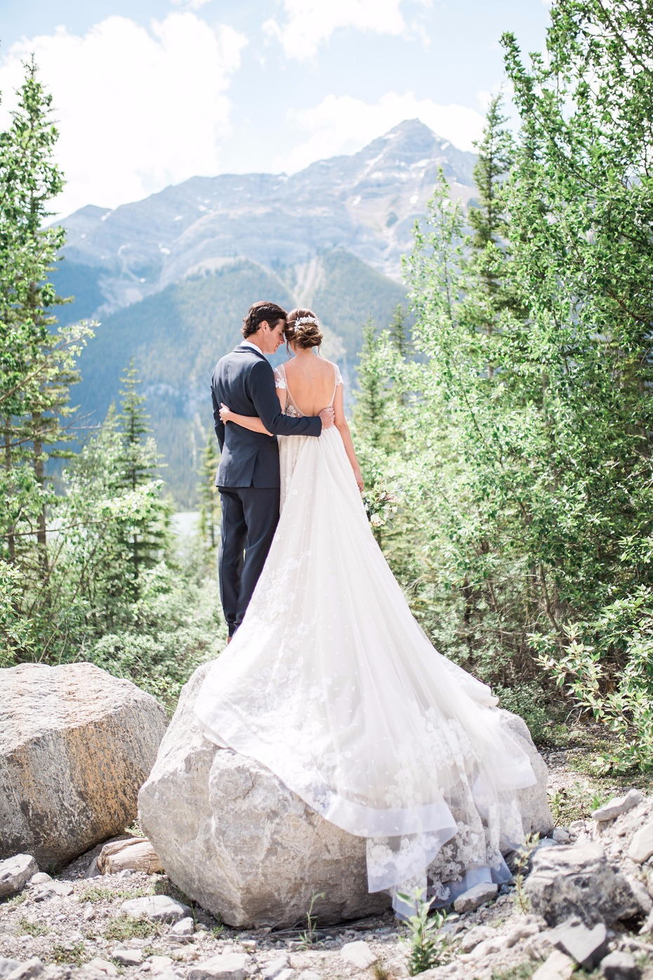Gorgeous wedding in the Canadian Rockies