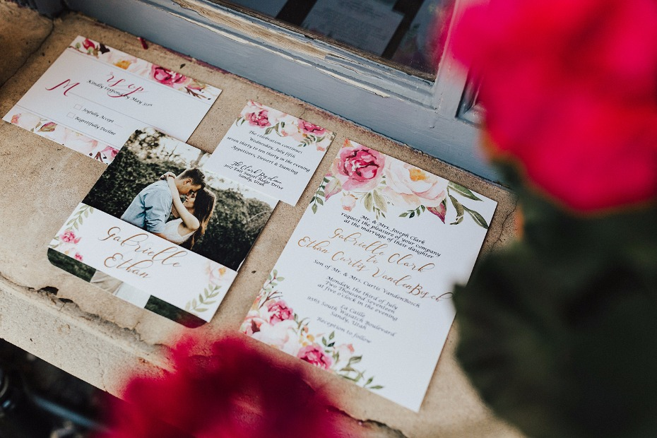glam chic wedding stationery with a matching floral theme