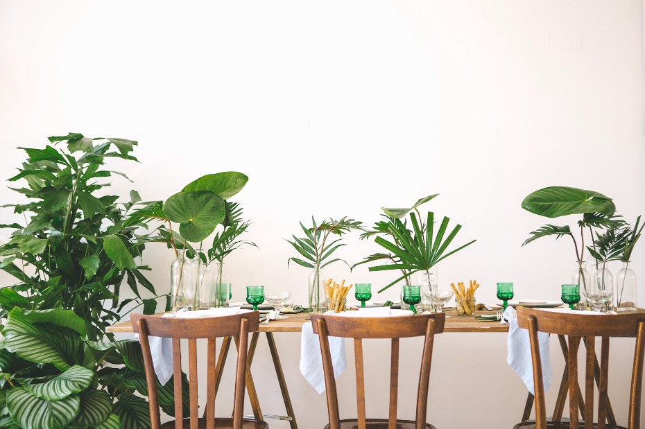 Tropical mid-century modern table decor