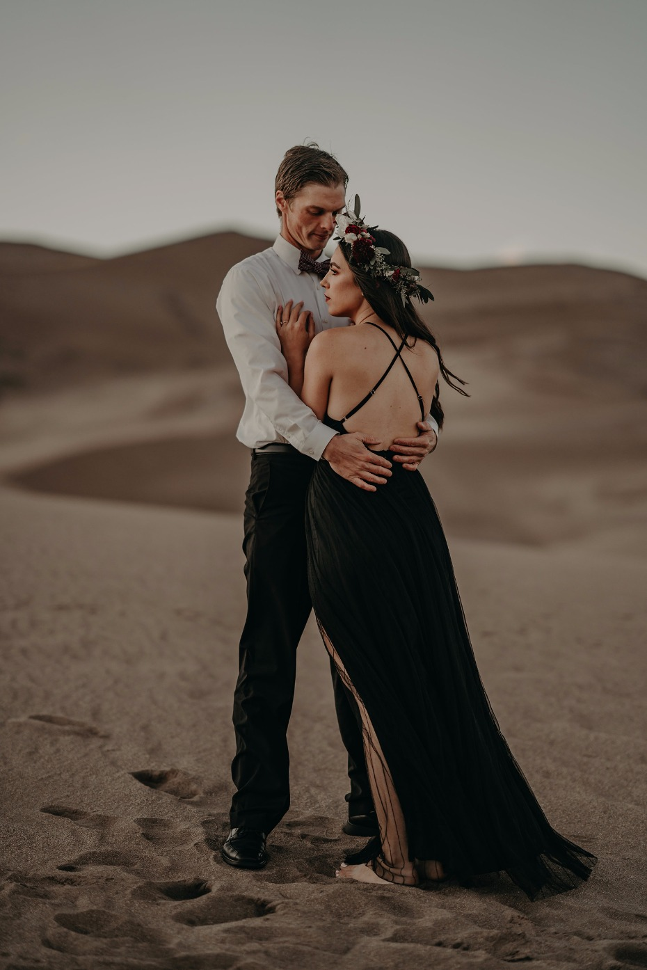 boho style engagement outfits for your desert shoot