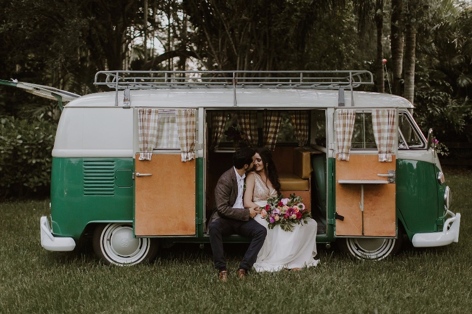 Cute Volkswagen photo booth idea