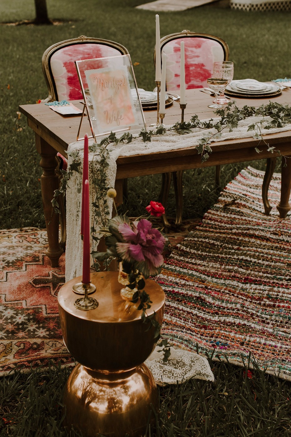 Colorful vintage boho sweetheart table