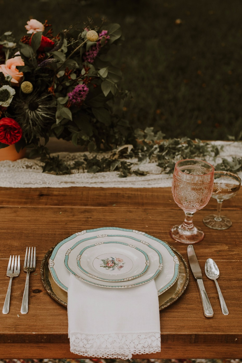 Use vintage dish ware for your sweetheart table