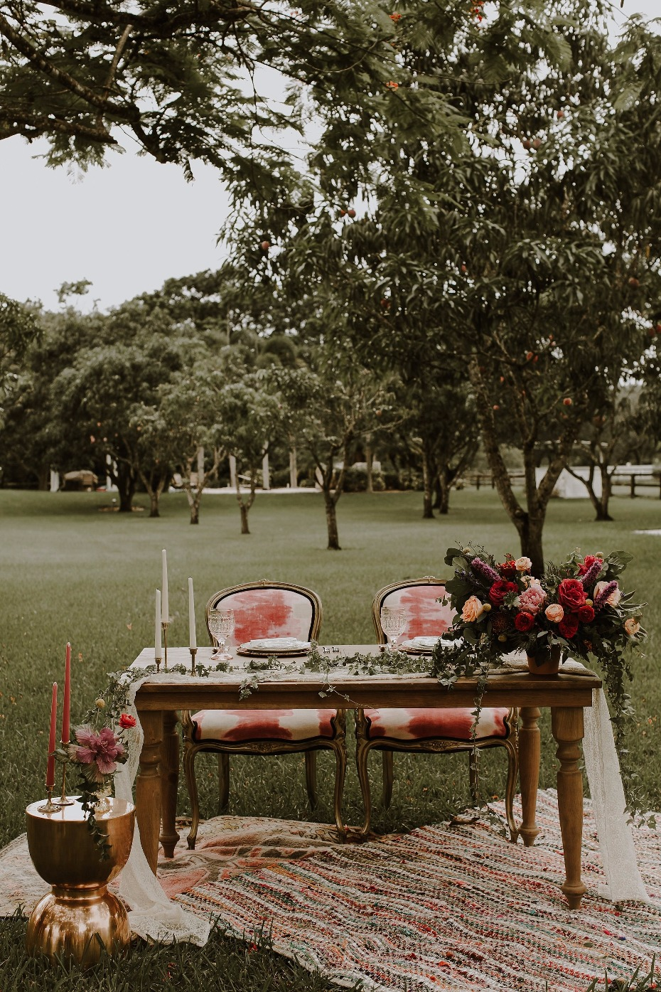 Boho sweetheart table