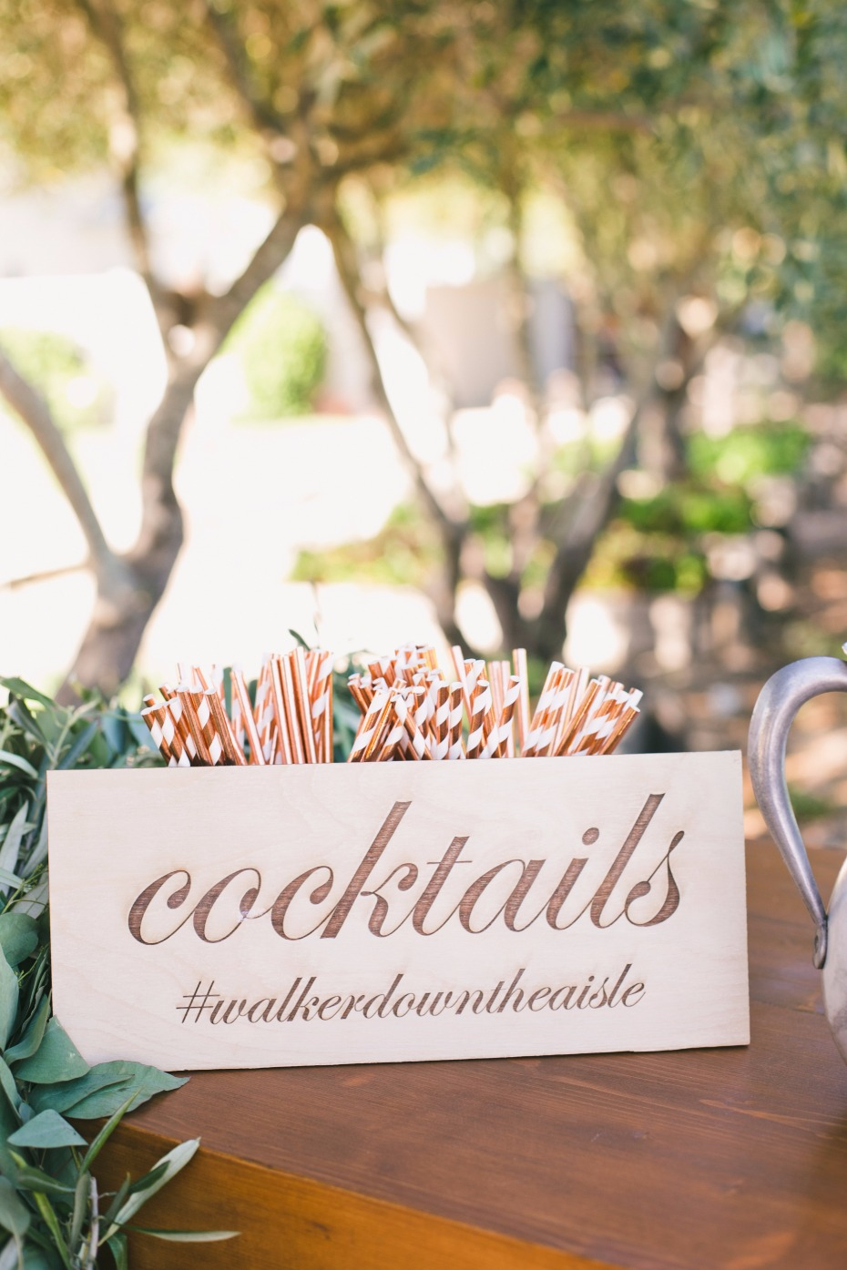 Wood cocktails sign
