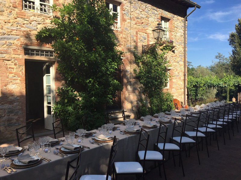 Intimate wedding reception immersed in a real Tuscan feeling. The ideal Villa for a romantic getaway!