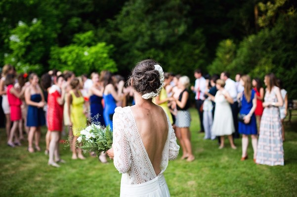 5 Ways to Deal When You See Your Ex at a Wedding